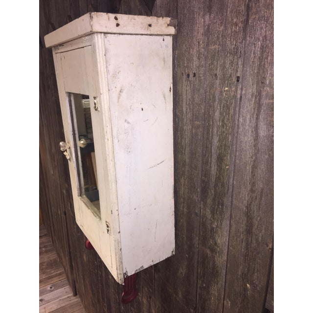 Vintage Cottage Chic White Mirrored Medicine Cabinet - Image 9 of 11