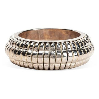 Ribbed Silvertone Bangle