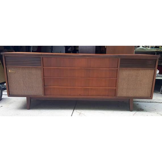 Olympic dual stereo console