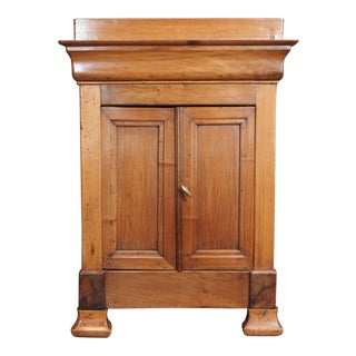 Miniature Walnut 2 door cabinet, 19th century