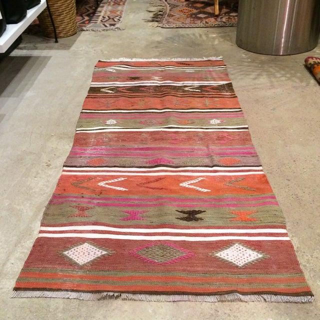 "Vintage Turkish Anatolian Kilim Rug - 2'4"" x 5'5"" - Image 3 of 5"