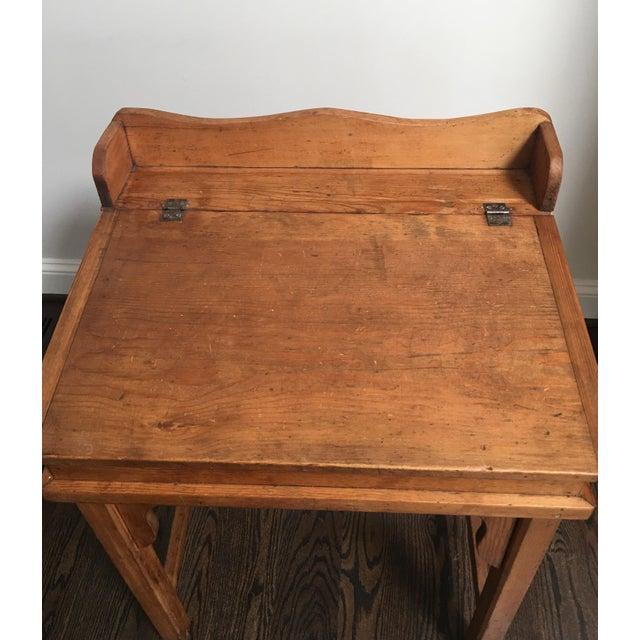 Antique Country Pine Slant Top Children's School Desk - Image 6 of 11