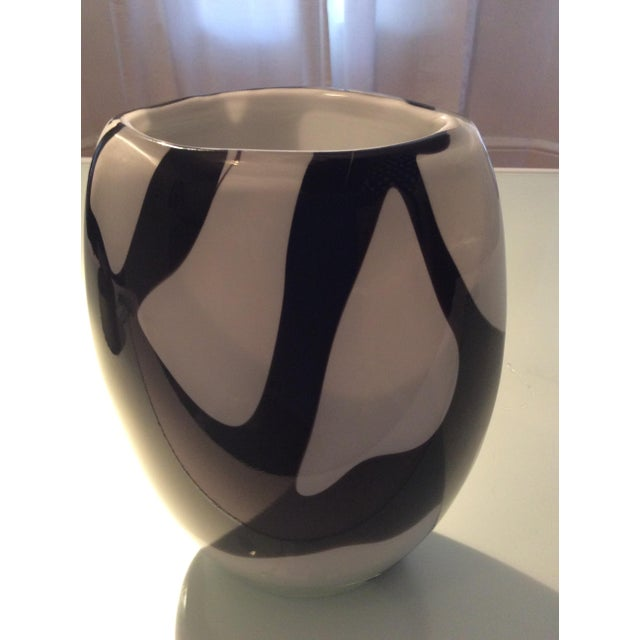 Murano Style Black and White Italian Glass Vase - Image 2 of 8