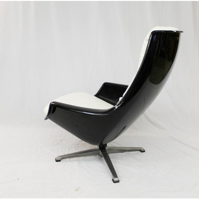 Mid-Century Molded Resin Plastic Chair - Image 8 of 8