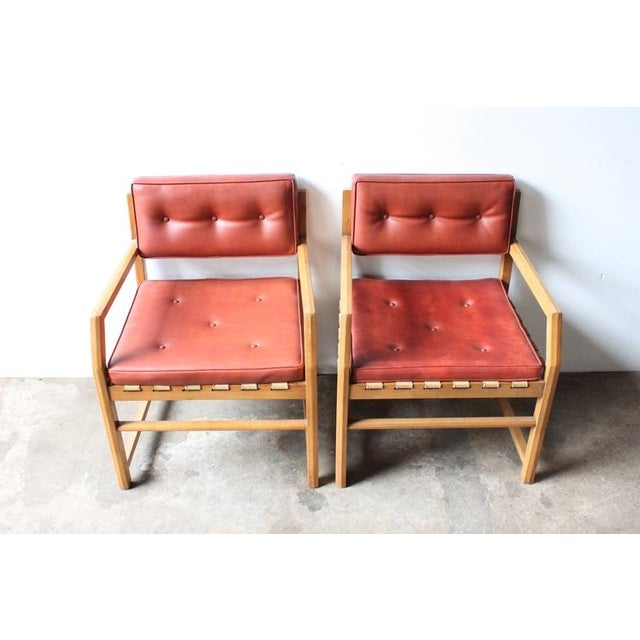 Mid-Century Faux Leather & Oak Sitting Chair - Image 6 of 7