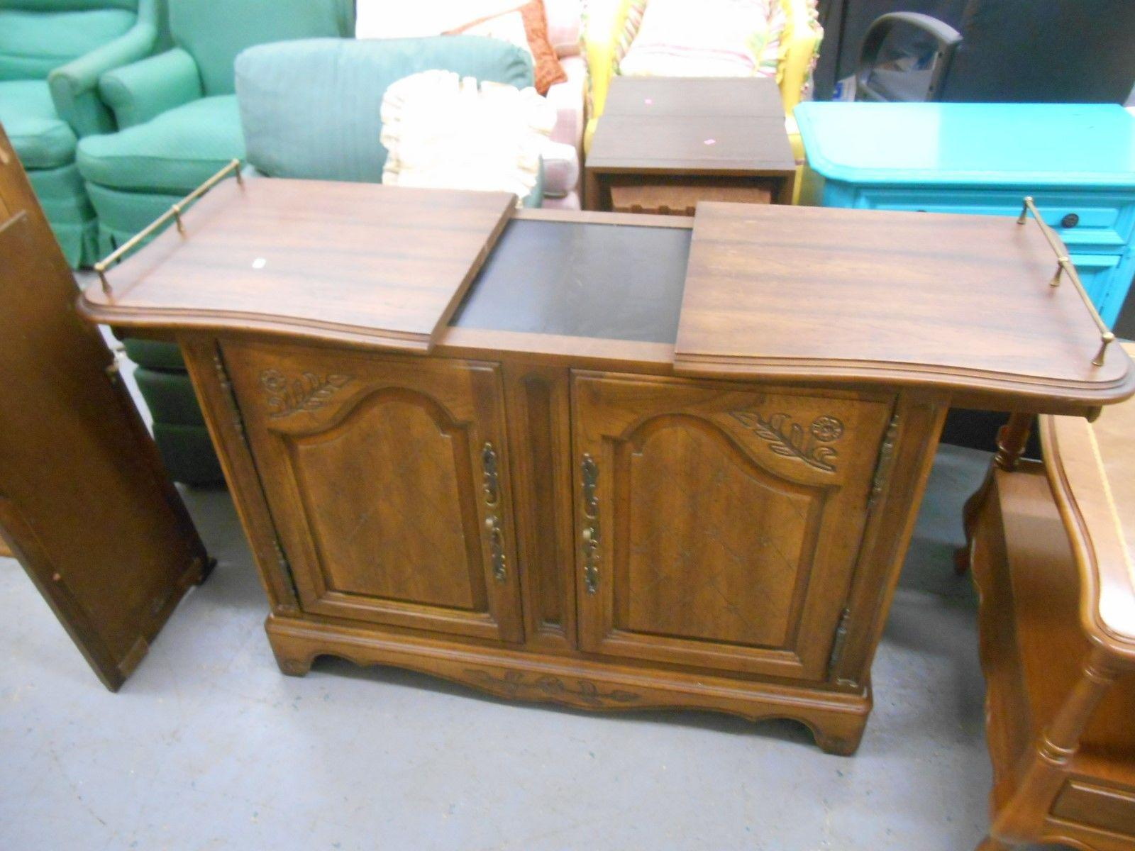 Great Mid Century Hickory Furniture Co. Rolling Buffet Server   Image 4 Of 6