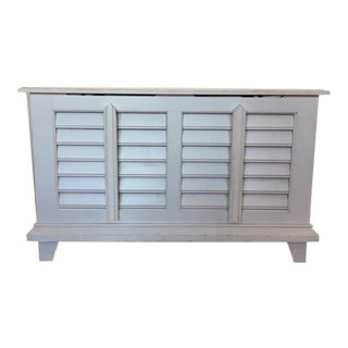 Contemporary White Laminate Wood Storage Chest