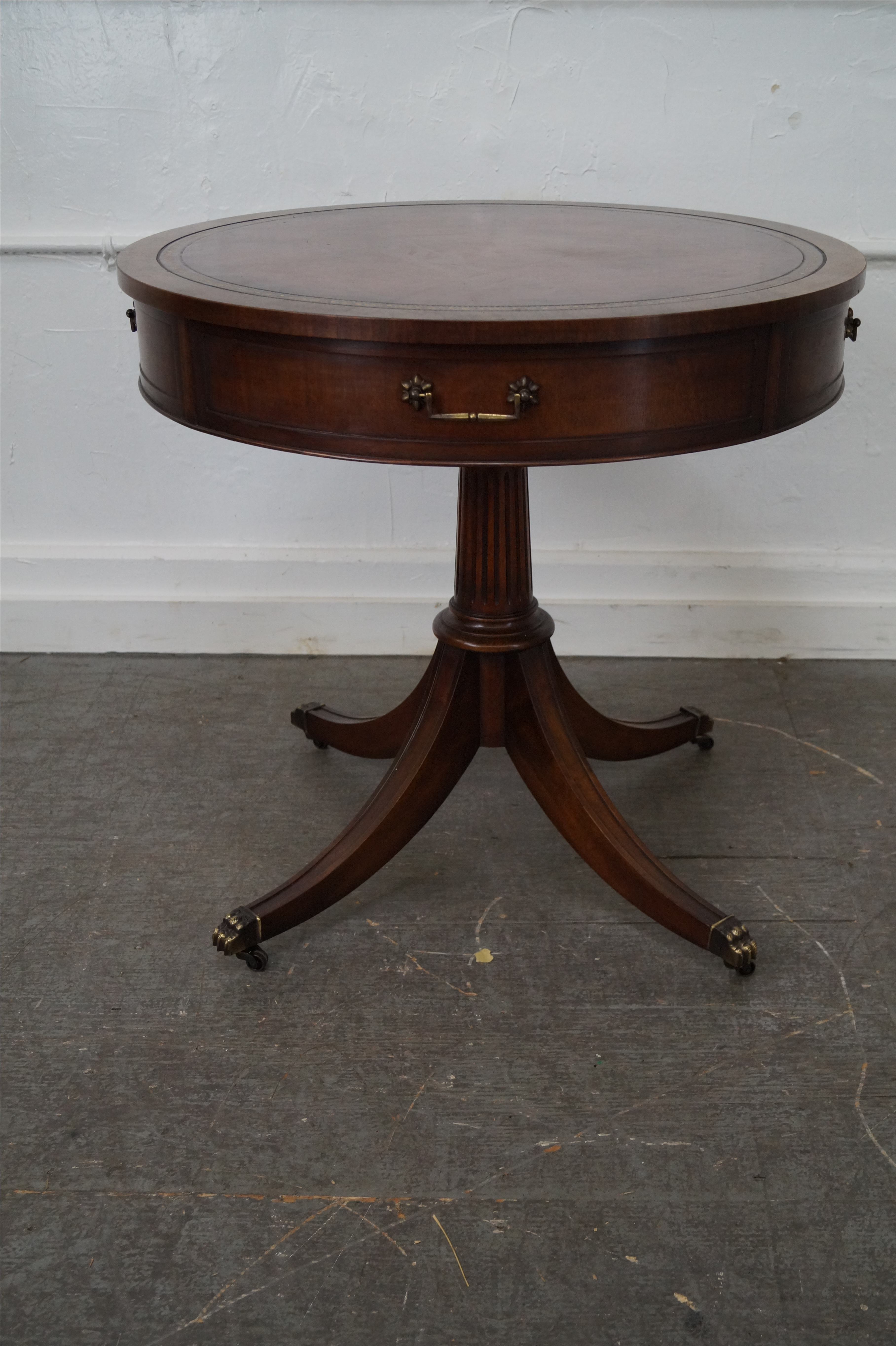 Wonderful Weiman 1940s Mahogany Round Leather Top Drum Table   Image 3 Of 10