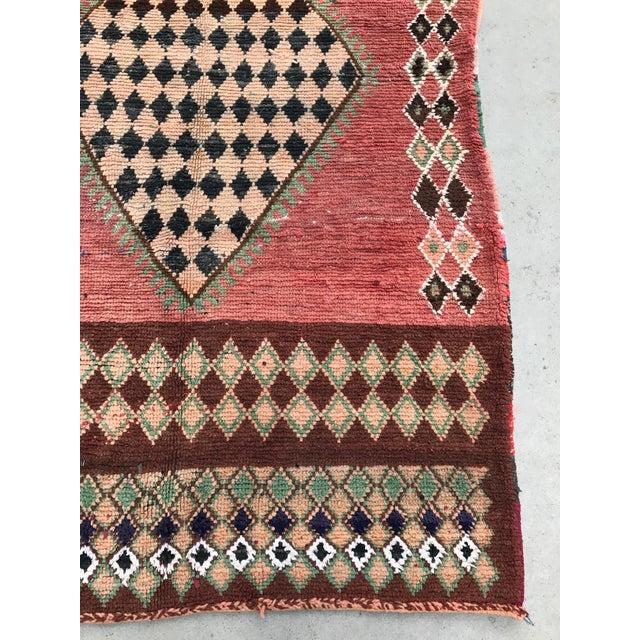 "Vintage Moroccan Boujad Rug - 4'9"" x 8'2"" - Image 7 of 7"