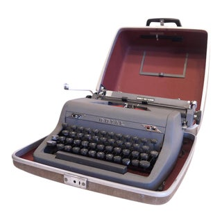 Vintage Royal Quiet Deluxe Typewriter
