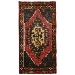 Vintage Turkish Stair Step Medallion Yastik Carpet - 1′8″ × 3′1″