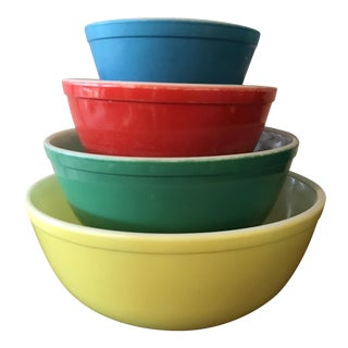 Vintage Pyrex Primary Color Mixing Bowls - Set of 4