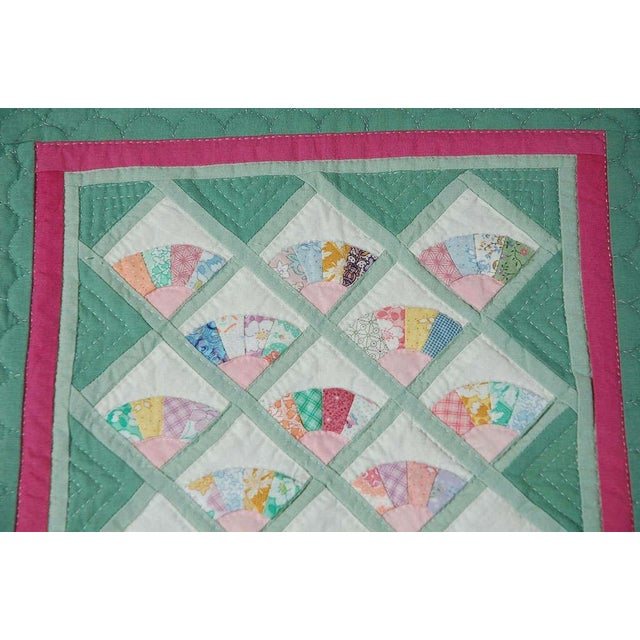 Miniature 1940s Pastel Fans Mounted Doll Quilt - Image 5 of 8