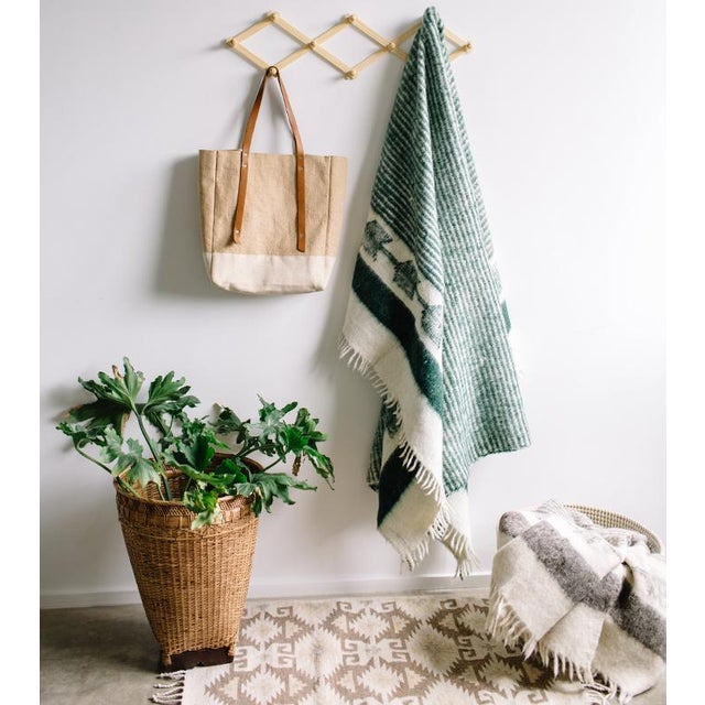 Green and White Wool Blanket - Image 4 of 6