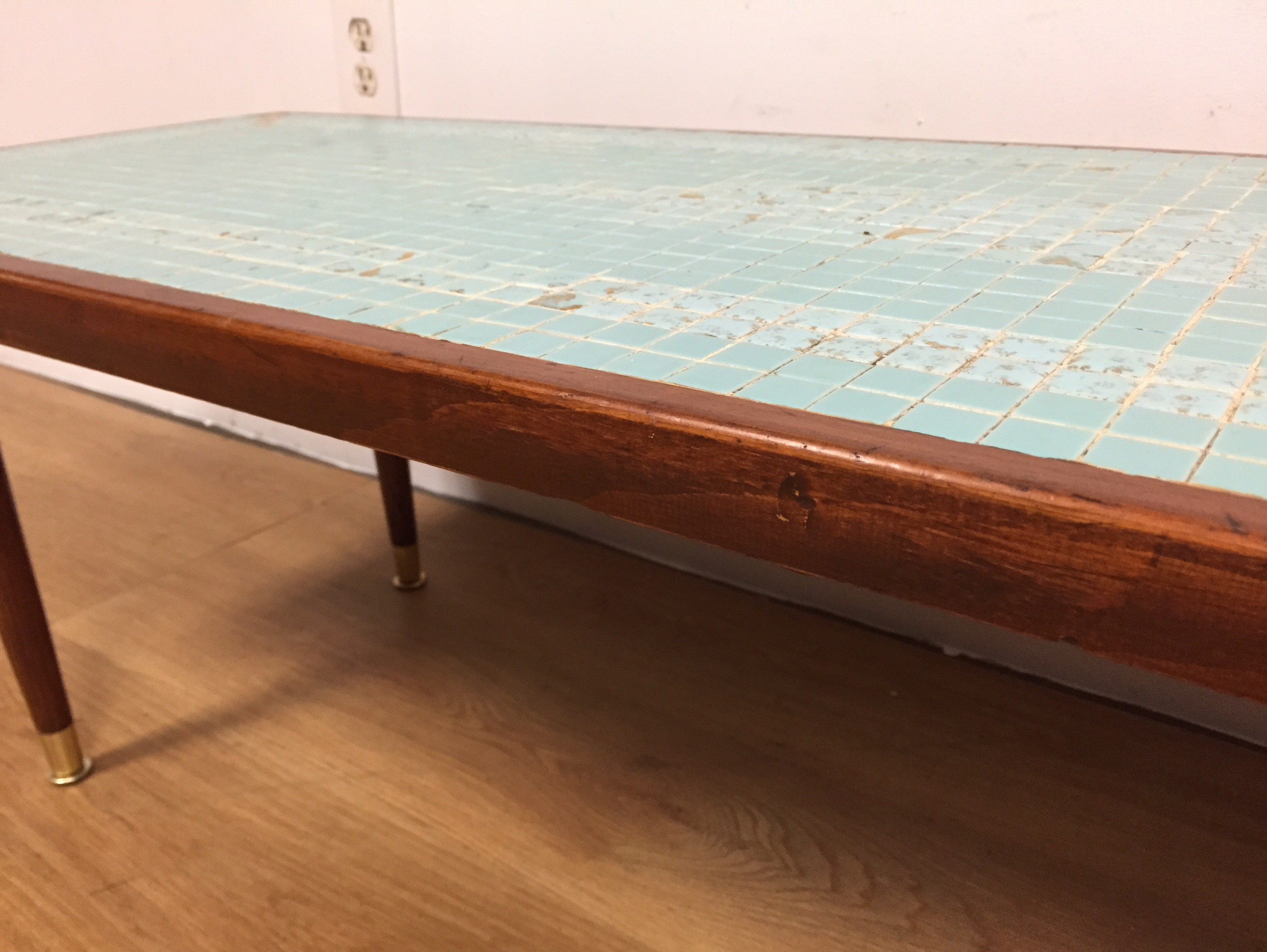 Mid Century Tile Top Coffee Table   Image 10 Of 11