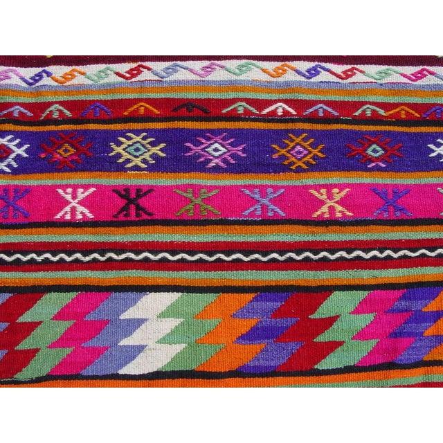 "Vintage Handwoven Turkish Kilim Rug - 5'11"" x 9'6"" - Image 9 of 11"