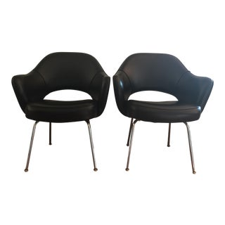 Vintage Knoll Executive Chairs by Eero Saarinen - A Pair
