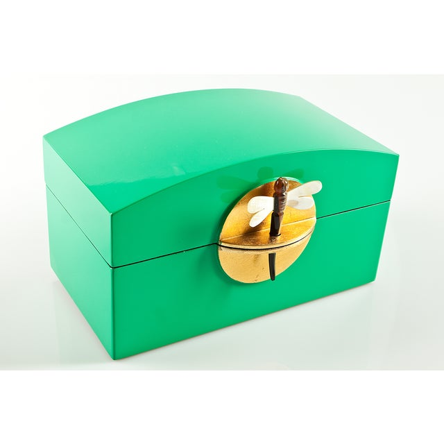 Kelly Green Lacquer Box With MOP Dragonfly Clasp - Image 2 of 4