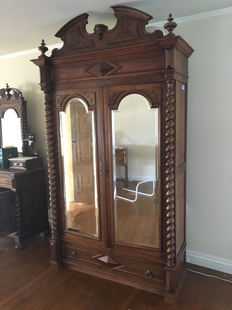 Rococo Revival Style Mahogany Mirrored Armoire  Chairish -> Armoire Style Baroque