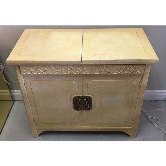 Image of Mid-Century Henredon Sideboard Server