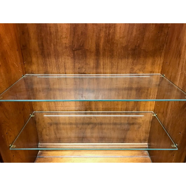THOMASVILLE Ceremony Collection Burl Walnut Breakfront China Display Cabinet - Image 7 of 11