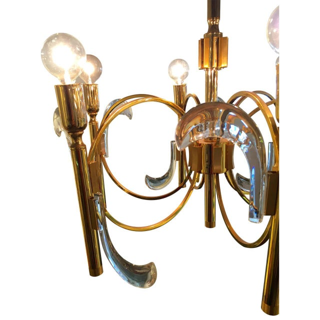 Gaetano Sciolari Lucite and Brass Chandelier - Image 4 of 6