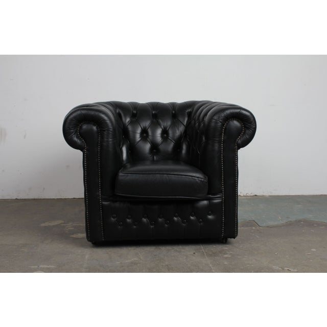 Vintage Black Leather Chesterfield Sofa: Vintage Black Leather English Chesterfield Chair