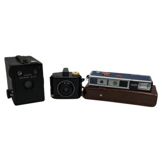 Vintage Brownie and Minolta Cameras - 3