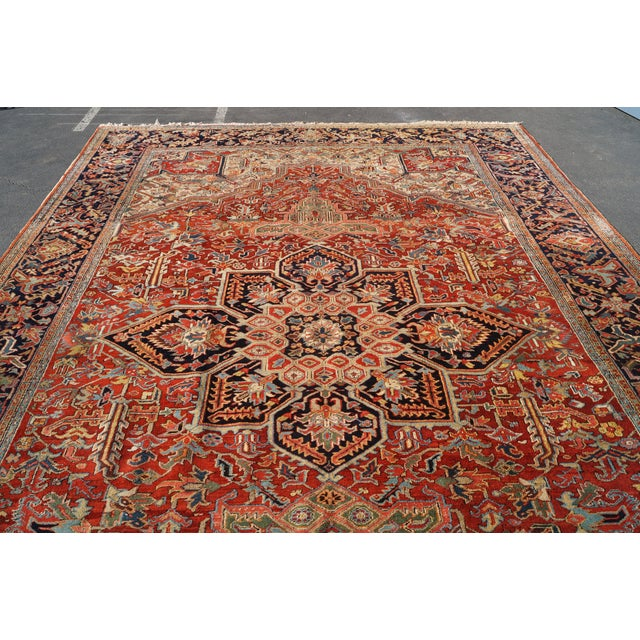 Antique Hand Woven Persian Heriz Rug - 11′6″ × 16′8″ - Image 4 of 10
