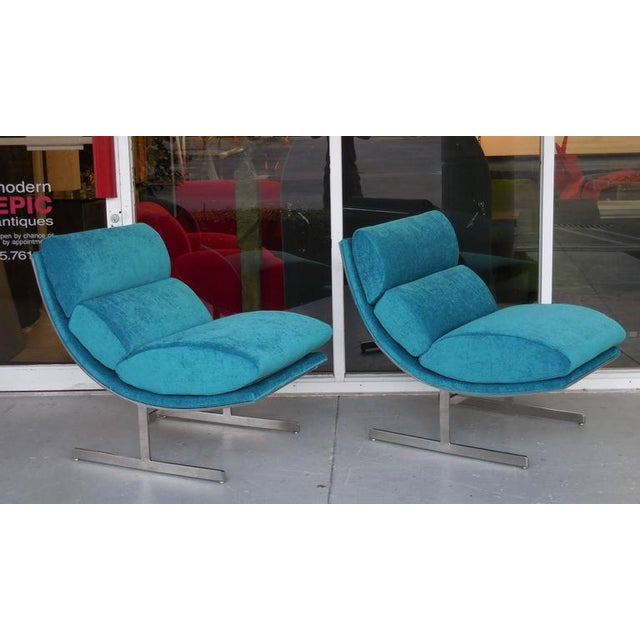 A Pair of Modernist Lounge Chairs by Kipp Stewart - Image 4 of 5
