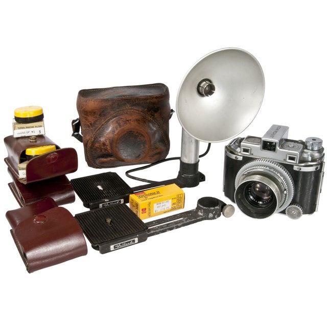 1940's Kodak Medalist Camera With Flash & Case - Image 1 of 5