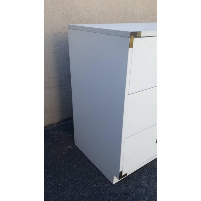 Mid Century Campaign White 6-Drawer Dresser - Image 3 of 5