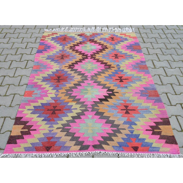 Hand-Woven Turkish Diamond Kilim Rug - 4′7″ × 6′4″ - Image 6 of 9