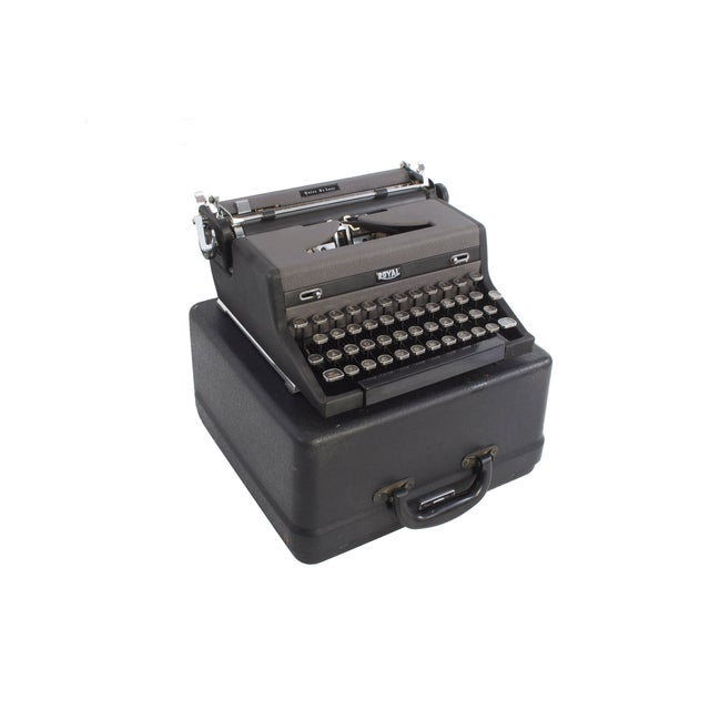 Royal Quiet DeLuxe Typewriter - Image 6 of 7