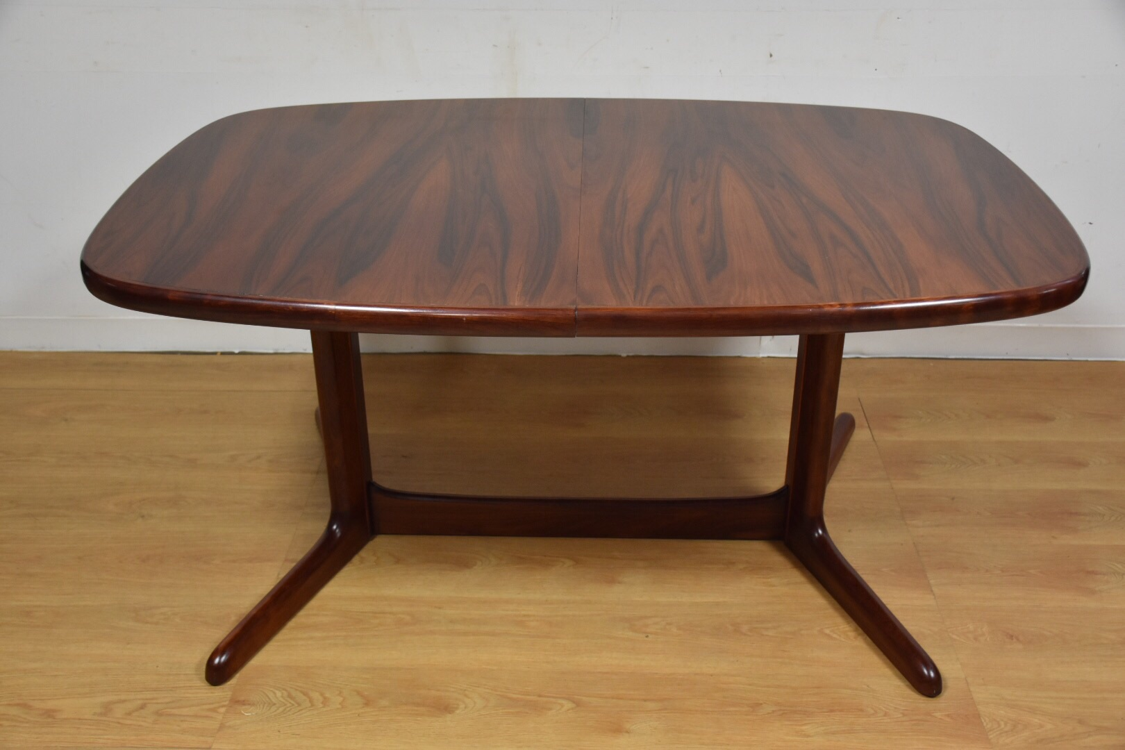 Danish Modern Rosewood Extendable Dining Table Chairish : b27e8c9c 7cb4 42fe 81da 215e7d5bc2dcaspectfitampwidth640ampheight640 from www.chairish.com size 640 x 640 jpeg 29kB
