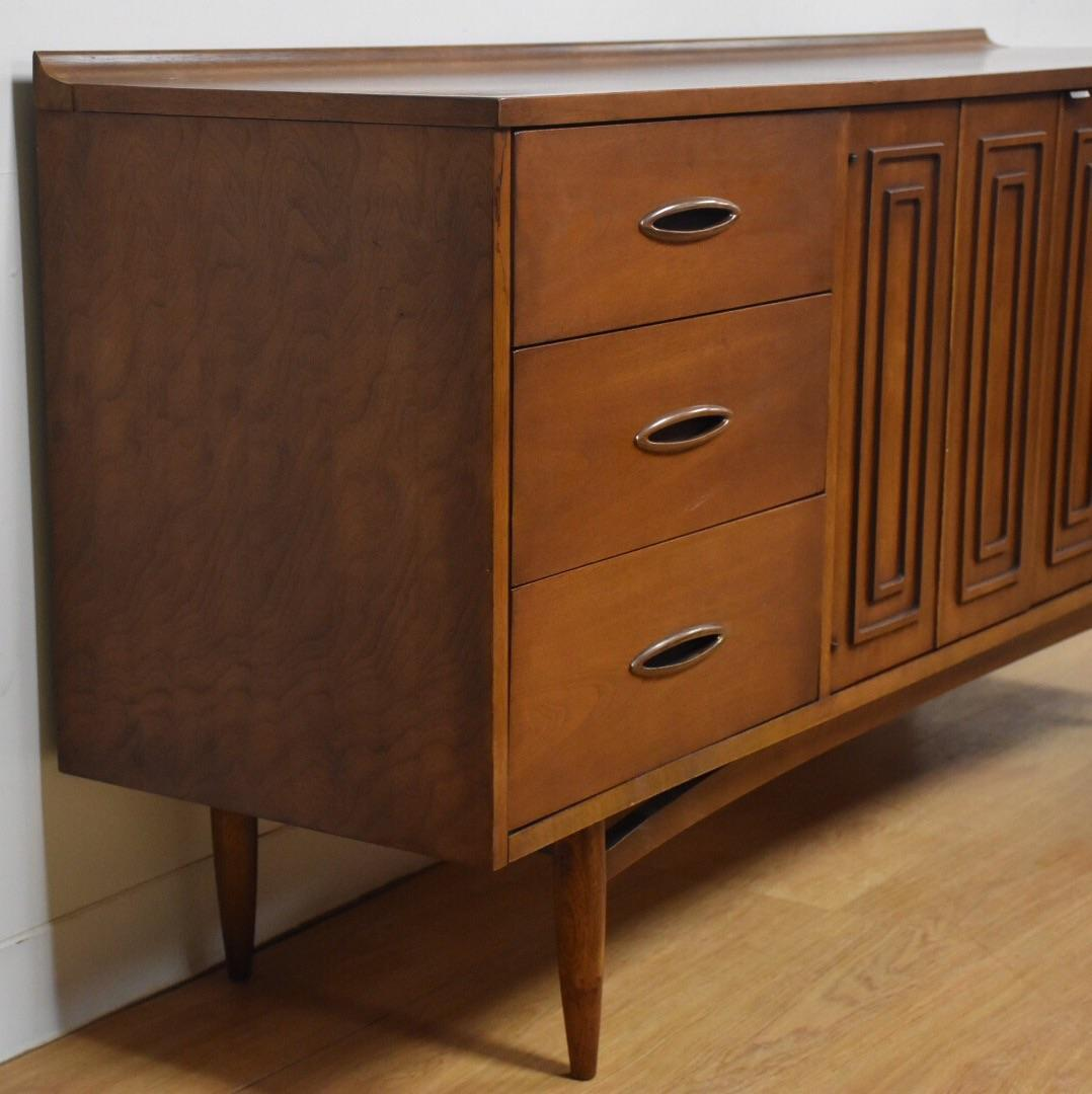 broyhill sculptra 9 drawer dresser chairish