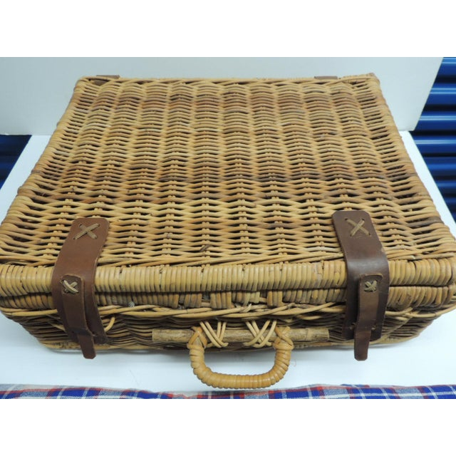 Vintage Picnic Wicker Basket - Image 7 of 9