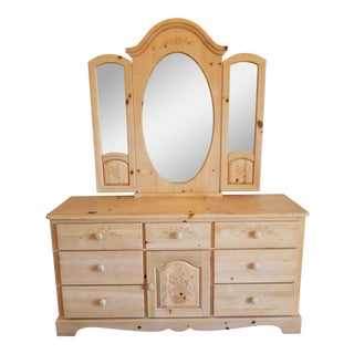 Vaughan of Virginia Pine Dresser With Tri-Fold Mirror