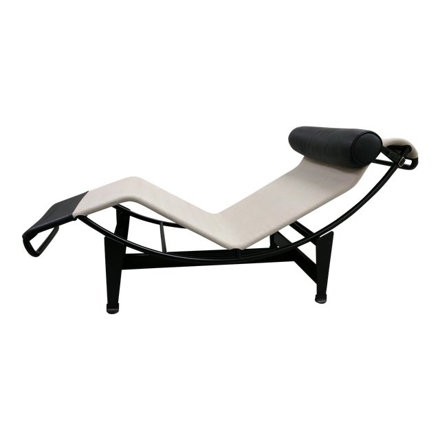Le corbusier designed lc4 chaise longue chairish for Chaise longue lc4