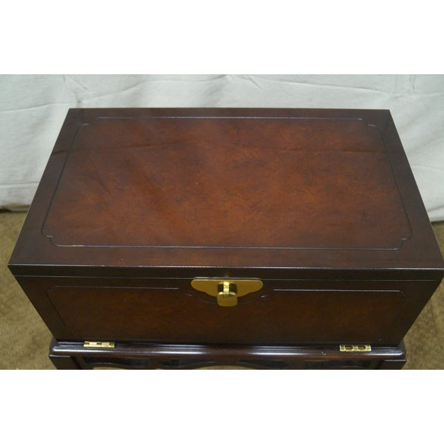Asian Style Chest on Frame End Table - Image 7 of 10