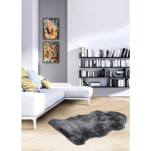 "Luxurious Natural Sheepskin Rug, Gray - 2'0"" x 3'0"" - Image 2 of 2"