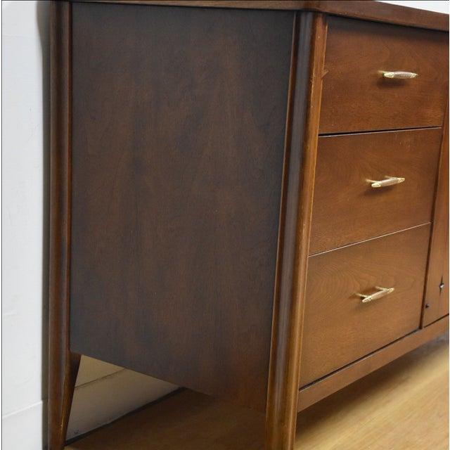 Broyhill Saga Star Studded Dresser - Image 4 of 11