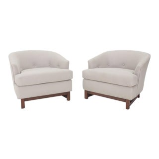 Pair of Mid-Century Modern Barrel Lounge Chairs by Selig