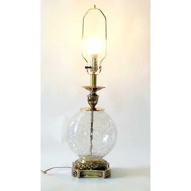 VINTAGE CRACKED GLASS AND BRASS LAMP - Image 7 of 10