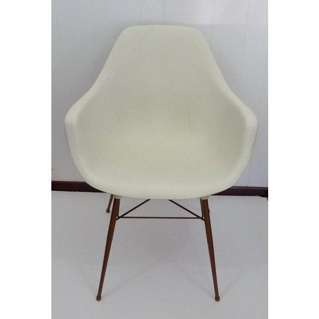 Sam Avedon for Alladin Plastics Mid-Century Modern White Molded Shell Armchair - Image 3 of 4