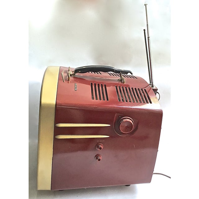 Mid-Century Modern RCA Victor DeLuxe Portable TV - Image 5 of 8