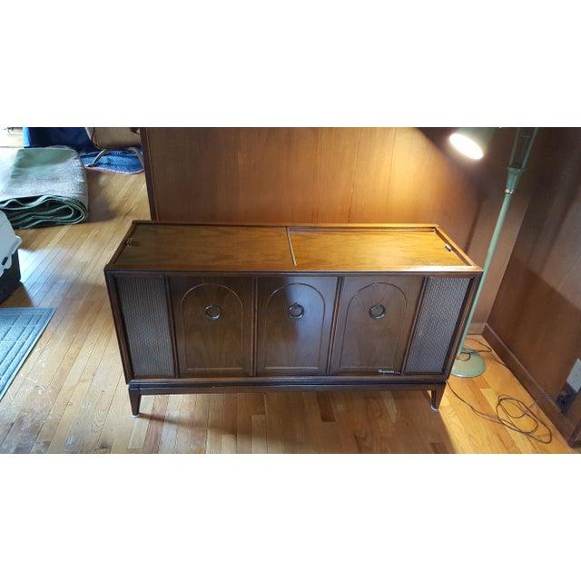 Vintage Magnavox Console Stereo – Jerusalem House