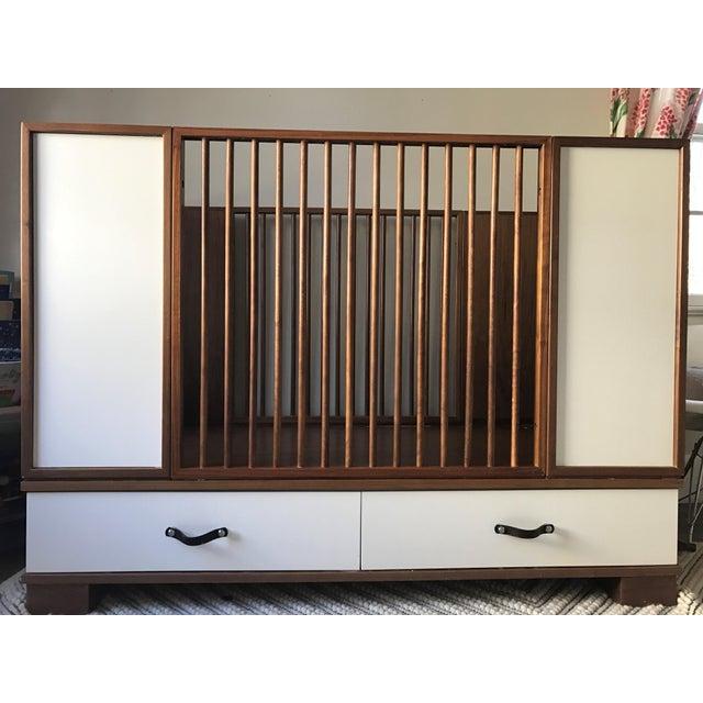Duc Duc Morgan Crib - Image 2 of 6