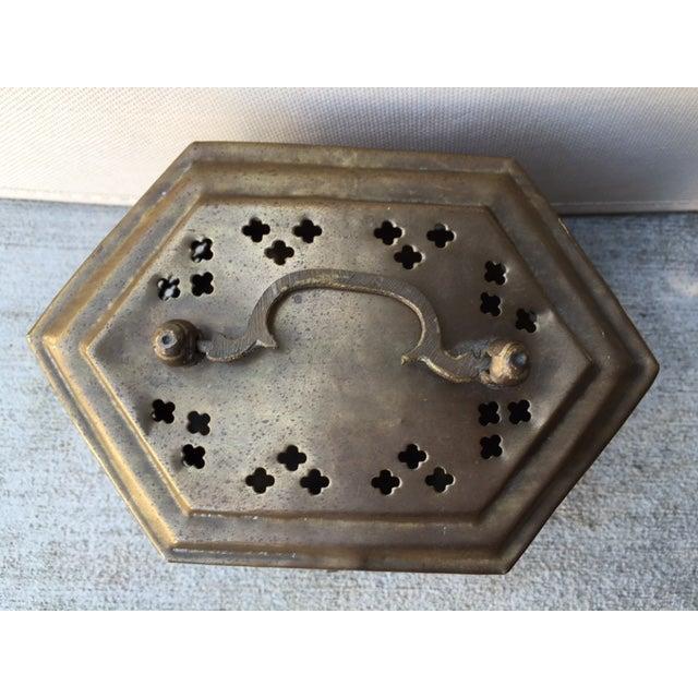 Hexagonal Brass Cricket Box - Image 6 of 8