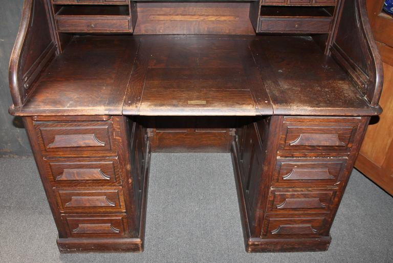 Late 19th Century Gunn Furniture Co Roll Top Desk   Image 3 Of 7